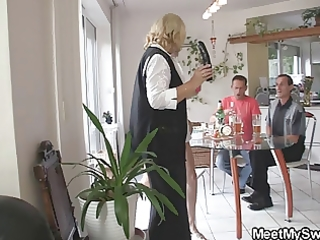 she is toying her bfs mama love tunnel and sucks