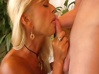 blonde mother i eats juvenile guys butt in bathtub