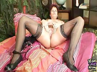 aged amateur mama squeezing her bawdy cleft