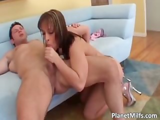 horny tattooed redhead d like to fuck acquires
