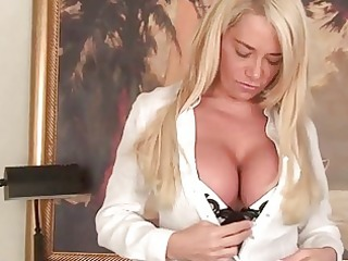 mega breasted d like to fuck lady teasing in hawt