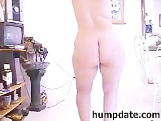 bootylicious milf with unshaved pussy dancing