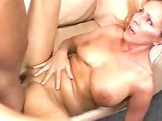 breasty blond momma gets her hairless nookie