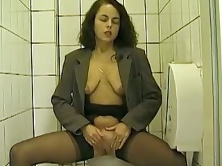 public toilet orall-service and peeing with