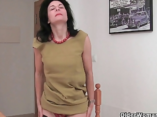 shaggy granny emanuelle in darksome nylons