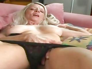 grancougar mother i rubbing her soaked vagina
