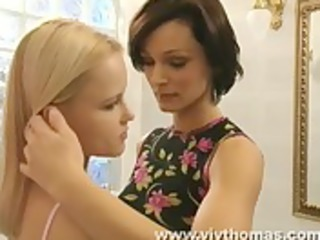 mother i lisa seduces juvenile jo