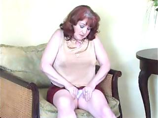 select group of milfs getting off for the camera