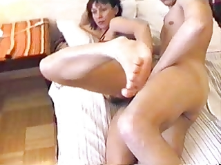 russian mom wokes up boy