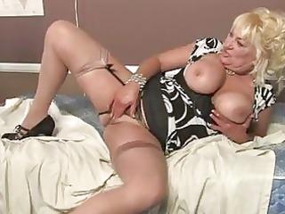 blonde momma with massive wobblers in hawt