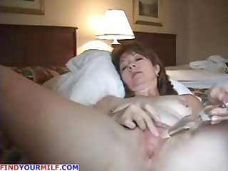 aged dilettante wife uses her glass vibrator in