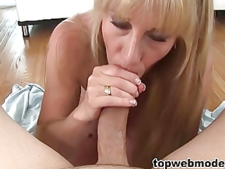 perverted mamma blows her daugthers boyfriend