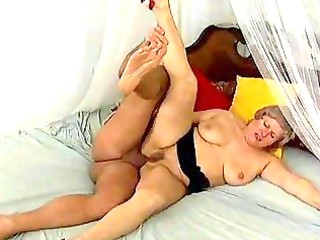 plump breasty mama needs hard anal sex