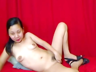filipina mama showing her scoops and muff on cam