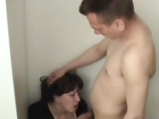 mature brunette hair bitch comes home to hard