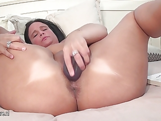 breasty aged mother squirts like a firehose