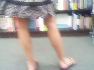 hott mother i at bookstore in sexy pink pants