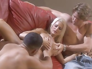 sexy blonde american d like to fuck in trio and a