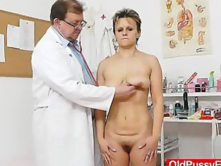 skinny wife with a unshaved fuck hole