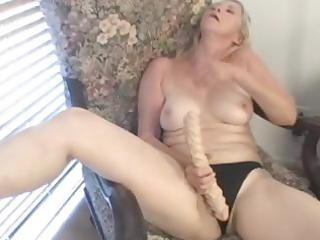 dildo loving golden-haired granny knows how to