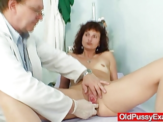 redhead d like to fuck love tunnel checkup at