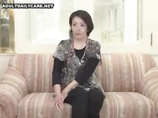 amateur japanese mama widens wide and sucks and
