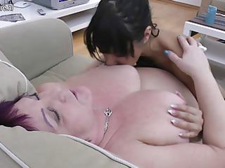 plump granny bonks 2 juvenile lesbian babes