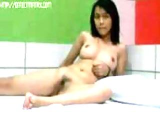 Pretty Young Asian Girl Fucks Mature Guy in Motel