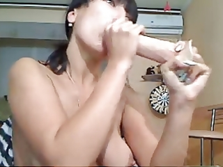 d like to fuck plays with her spit (5)